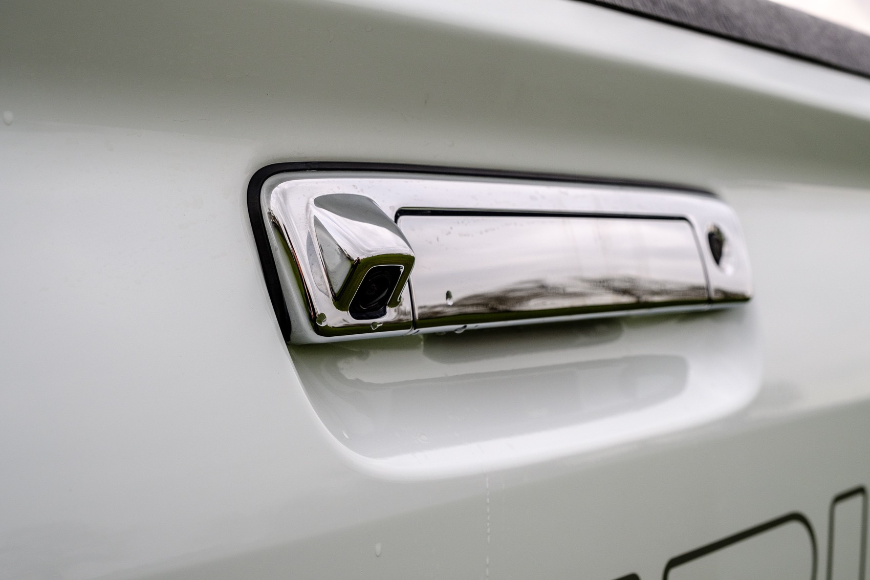 Isuzu D-Max 2012+ Tail Gate Handle With Camera