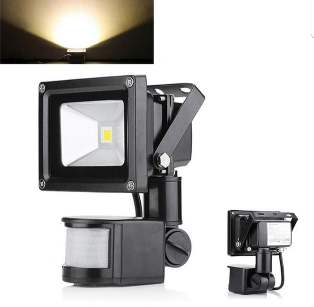 10 Watt LED Floodlight Security Spot Light With Motion Sensor 220V