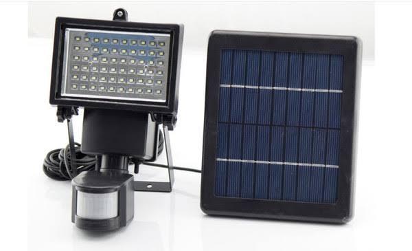 Bright White 60 LED PIR Motion Sensor Solar Power Security Floodlight