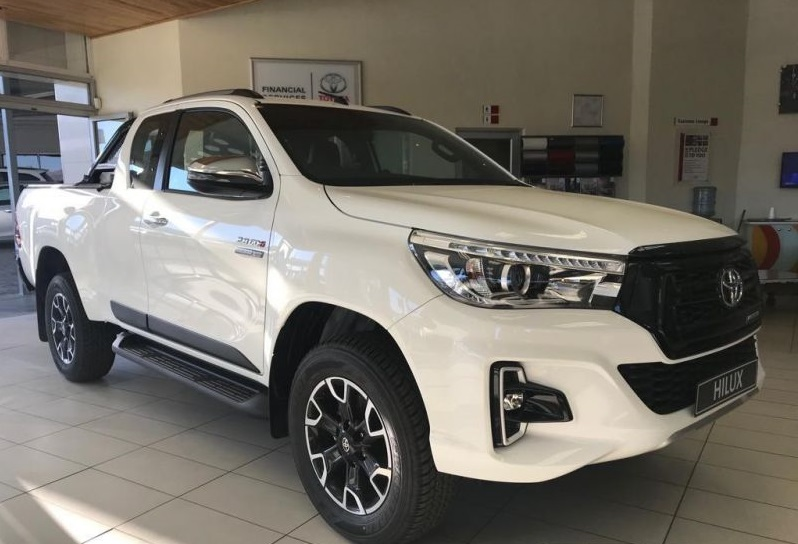 Toyota Hilux Gd 6 2016 To 2020 Extended Cab Body Cladding ABS Material